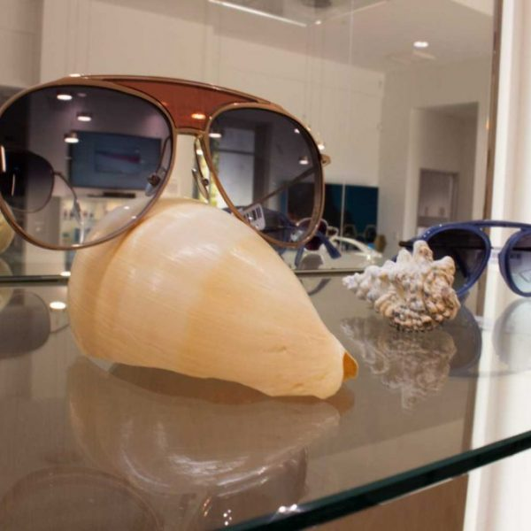 shell-nose-with-sunglasses